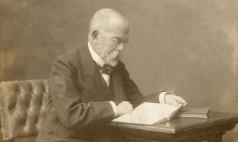Robert Koch : The Father of Modern Medical Microbiology