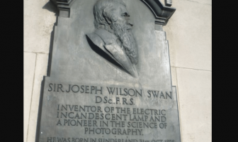 Joseph Swan (English chemist and inventor)