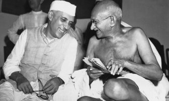Jawaharlal Nehru Life Story - The First Prime Minister of India