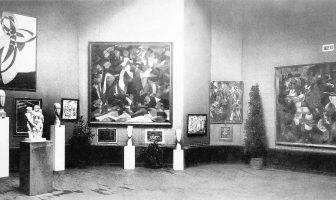 1920px-Salon_d'Automne_1912,_Paris,_works_exhibited_by_Kupka,_Modigliani,_Csaky,_Picabia,_Metzinger,_Le_Fauconnier
