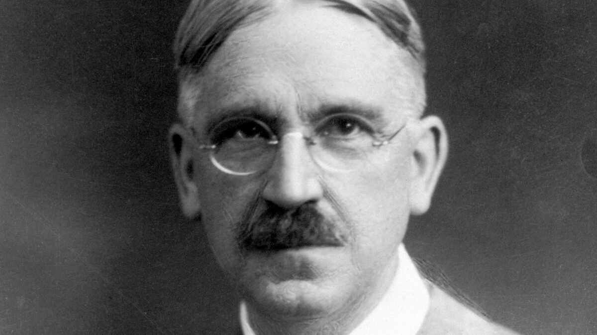 Who is John Dewey? John Dewey Philosophy and Education Influence