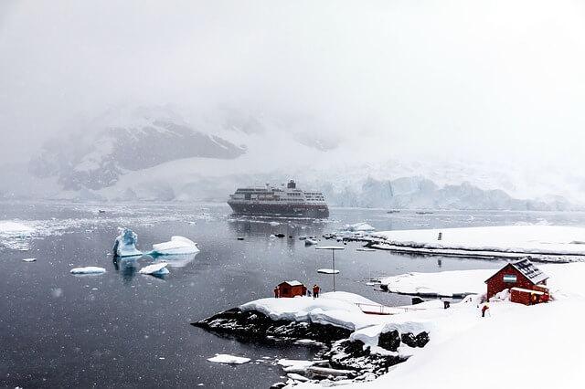 10 Characteristics Of Antarctica - Geographical Features of Antarctica
