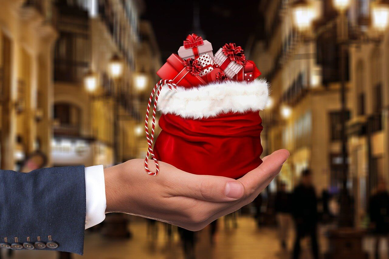 Tips for Christmas Shopping on a Budget