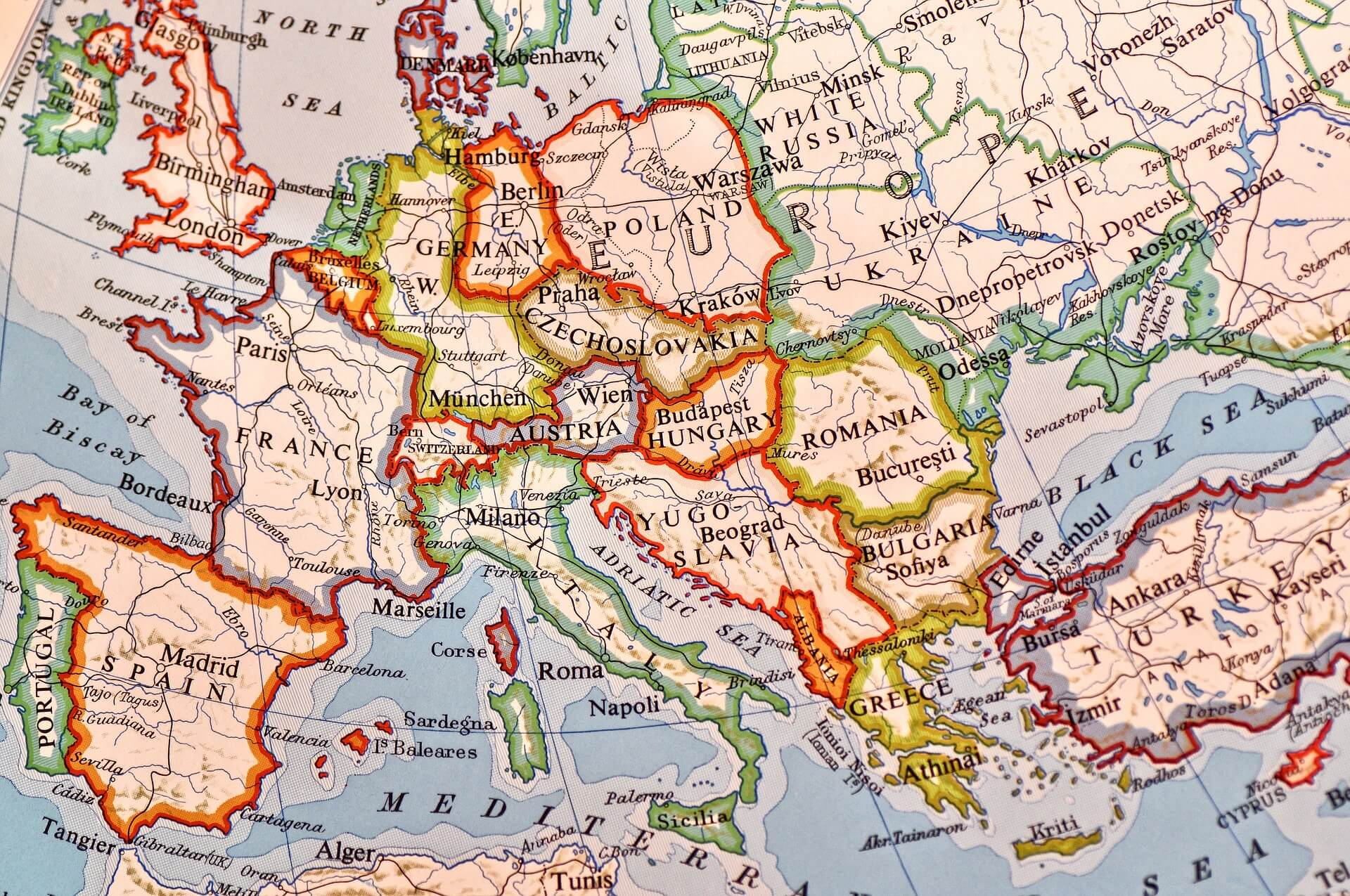 10 Characteristics Of Europe - Features of the European Continent