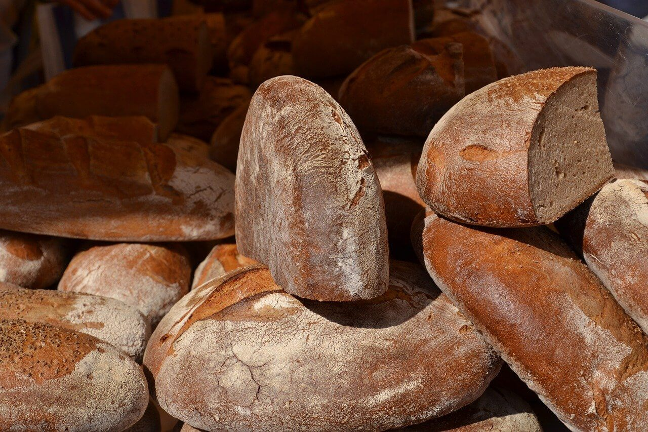 What is carbohydrates made of ? What are the kinds of carbohydrates?