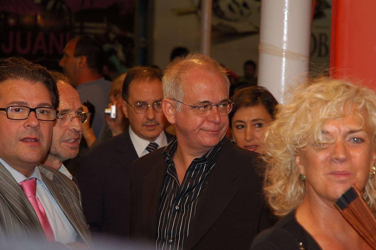 Diego Galán Biography (Writer, Columnist, Filmmaker)
