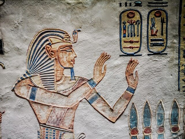 Ancient Egypt : Science and Technology (Mathematics, Medicine and Building Techniques)