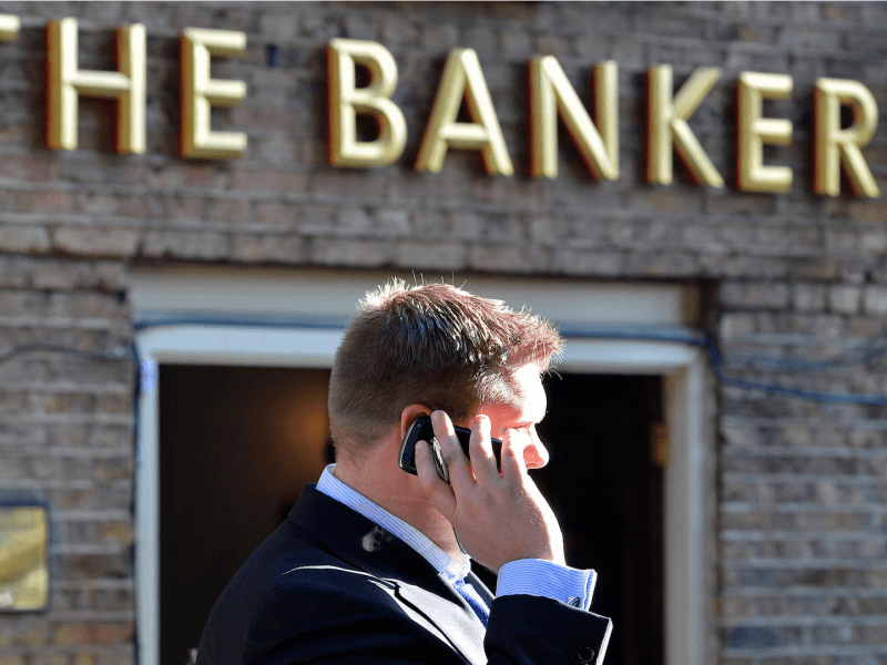 How The Wealthy Folks' Banking Habits Differ From Ours