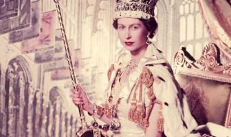 Queen Elizabeth - 92 Years of Living a Luxurious Life