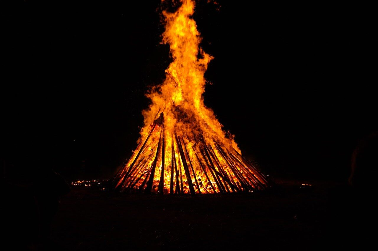 What is Midsummer? History of Midsummer, Activities and Facts