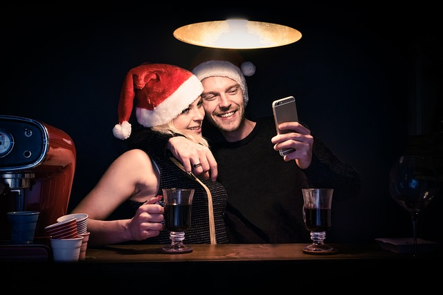 Christmas Holidays Dating Guide - At Last The Time Has Come!